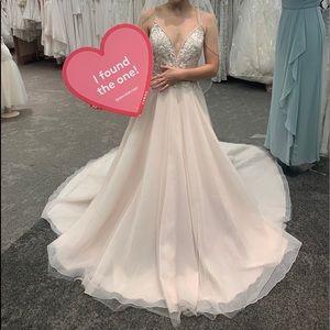 Never worn wedding gown!